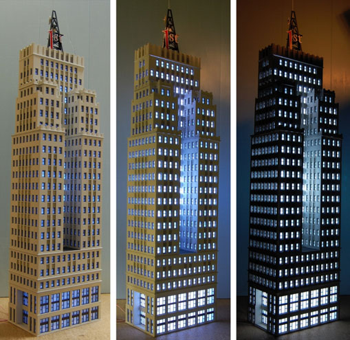 Torre de 1st Bank en escala N. Cortesía de Custom Model Railroads